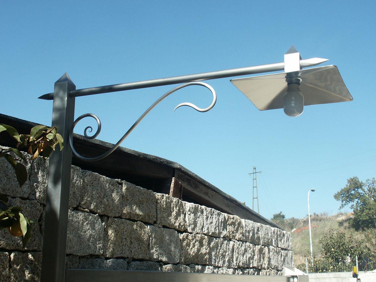 Illuminazione e lampadari in ferro battuto emanuel ziranu
